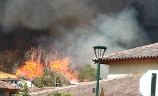 Un lesionado y 36 viviendas afectadas por incendio en Cali