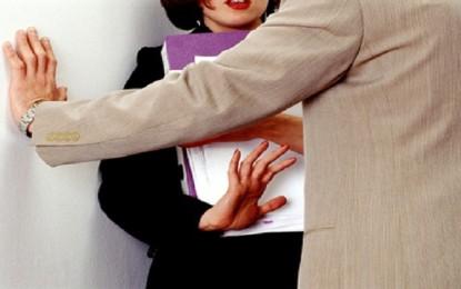 Una empleada del MIO debió renunciar a su trabajo, por acoso laboral y sexual.