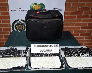 Fue capturado un venezolano que llevaba 3 kilos de cocaína, camuflados en un maletín.