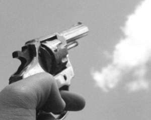 Un hombre fue asesinado mientras hacía unos trabajos en la terraza de los bomberos en Guacarí.