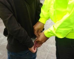 En Bogotá y Cali fueron capturados dos hombres extranjeros  con circular roja de la interpol