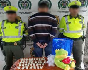 Incautados 1.170 gramos de cocaína que eran transportados en un peluche.