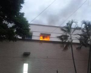 Se investiga manos criminales como causal de incendio de hospital de Cartago.