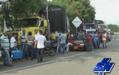 Transportadores se suman a paro Nacional éste 24 de Enero