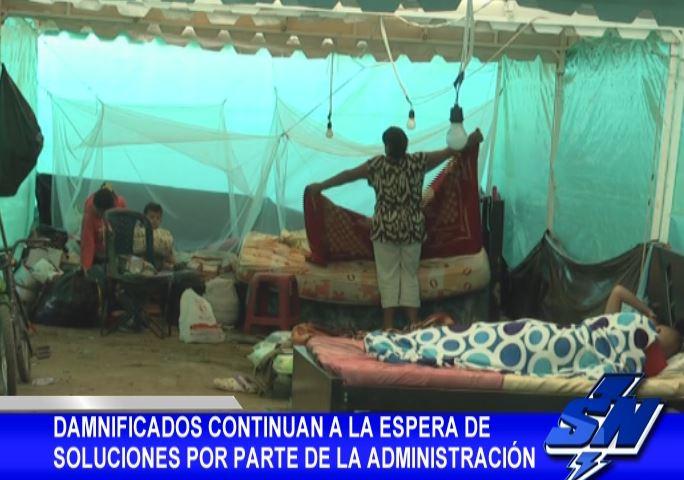 Damnificados en Juanchito continúan en carpas recibiendo ayudas