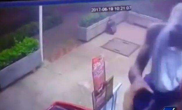 En vídeo: robo a machete en minimercado del suroriente de Cali