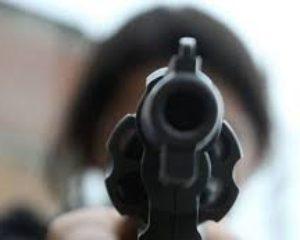 Mientras esperaba el bus, un estudiante quedó herido en medio de un ataque sicarial en Tuluá