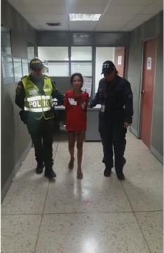 Juez envía a la cárcel a mujer que, presuntamente, arrojó ácido en la cara a una jóven en Cali
