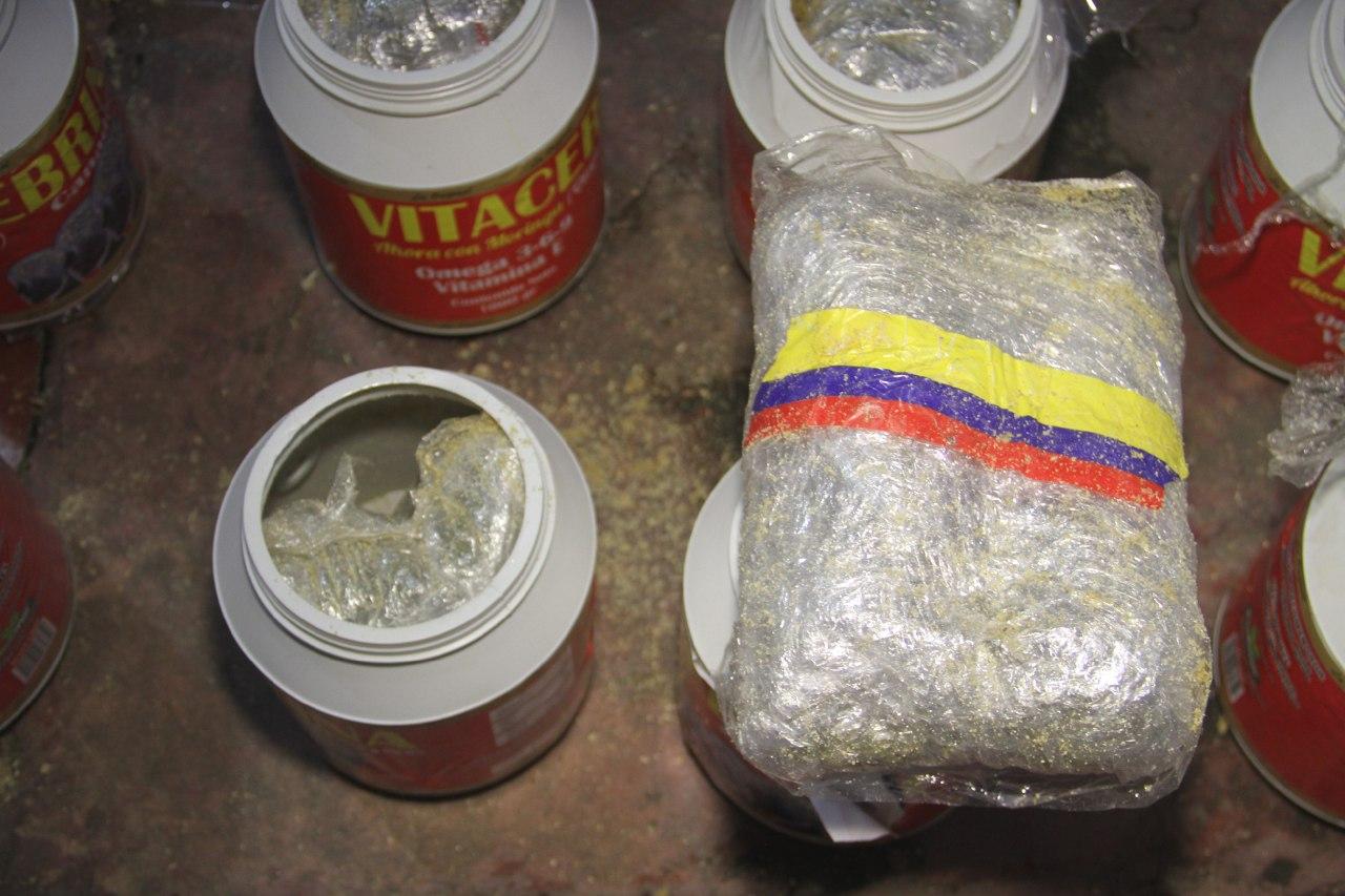 Llevaban marihuana camuflada en suplementos vitamínicos