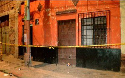 Fiscalía asumió actos urgentes por crimen de dos mujeres en un inquilinato del centro de Cali