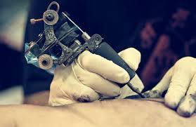 Cárcel para hombre que asaltó a tatuador en su taller en Cali