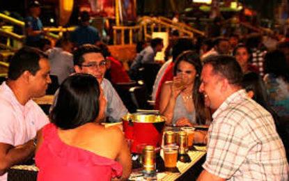 Por feria de Cali habilitan espacios públicos para venta y consumo de bebidas alcohólicas