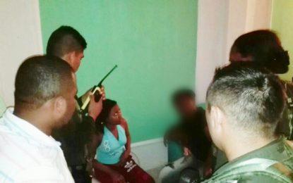 Envían a la cárcel a mujer que secuestró a recién nacida