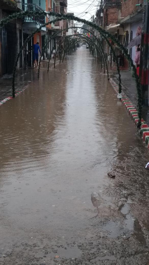 Fin de año pasado por lluvias en Cali, deja varios sectores inundados