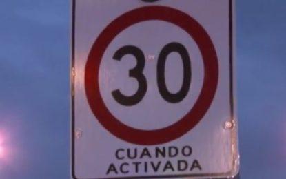Nuevas señales de tránsito al rededor de colegios para evitar accidentes peatonales