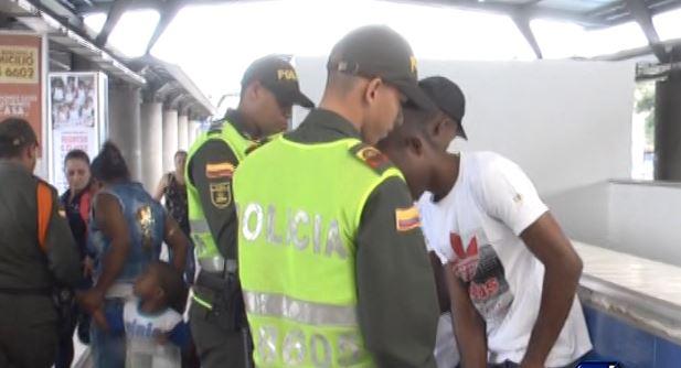 Tras denuncias de inseguridad al interior del MIO inician controles de la Policía