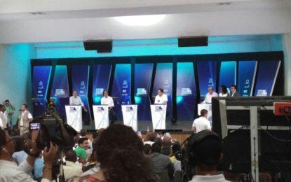 Candidatos presidenciales, al paredón en el gran debate del Pacífico en Buenaventura
