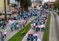 Con arengas, docentes marcharon hacia la gobernación del Valle