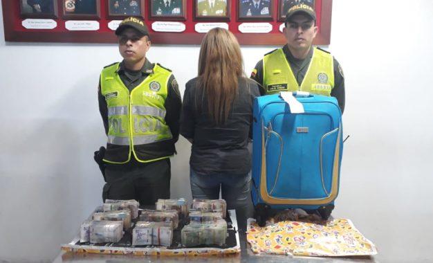 Capturada mujer con $247 millones en Aeropuerto Alfonso Bonilla Aragón