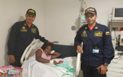 Bebé llegó al mundo en manos de uniformados de la Armada Nacional