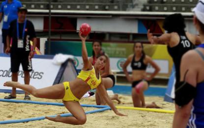 El Gobernador del Valle entrego incentivos a deportistas que representaran a el departamento en los Juegos Nacionales de Mar y Playa.