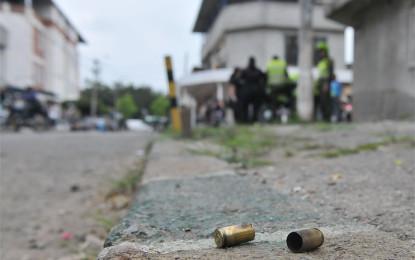 Hombres que se movilizaban en 3 motocicletas, dispararon a una vivienda en Palmira, dejando 6 personas heridas.
