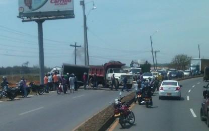 Conductor de un camión perdió uno de sus brazos durante aparatoso accidente, en la vía Cali- Jamundí