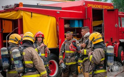 Bomberos piden recursos para continuar atendiendo incendios forestales.