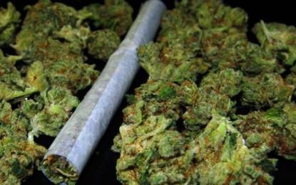 Gracias a un taxista, se logró la captura de un hombre con 20 paquetes de marihuana, en Floralia.