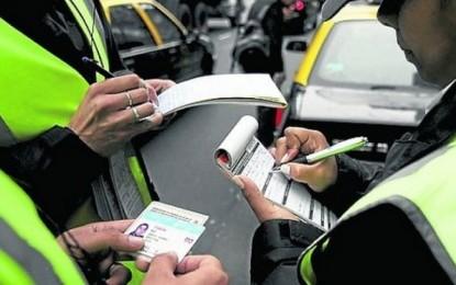Capturado inspector de tránsito de Guacari quien se quedaba con el dinero de las multas