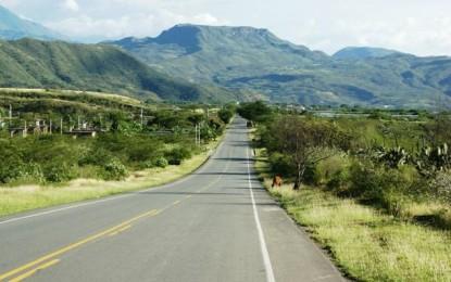 Un hombre fue sorprendido transportando insumos para narcóticos en la vía Popayán-Cali.