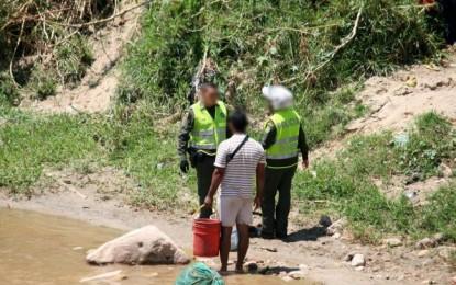 Policía y Armada Nacional patrullaran sobre el rio Cauca para combatir tráfico de armas y drogas