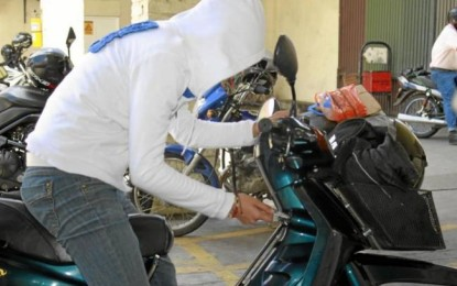 Un hombre fue capturado mientras hurtaba una moto en Yumbo