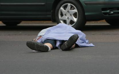 Un hombre murió al ser arrollado por un camión en Av. Simón Bolívar a la altura del barrio El Caney
