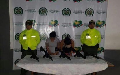 Capturadas dos mujeres, tenían fusíles de las Fuerzas armadas
