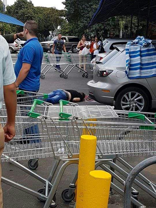 Comerciante asesinado en parqueadero de Centro comercial del norte de Cali