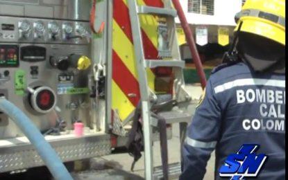 Víctimas de incendio en oriente de Cali lo atribuyen a los «gota gota»