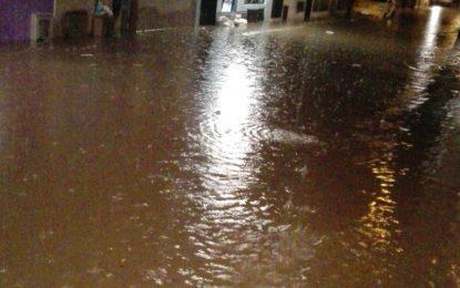 Inundaciones, y caos total en Cali tras las fuertes lluvias