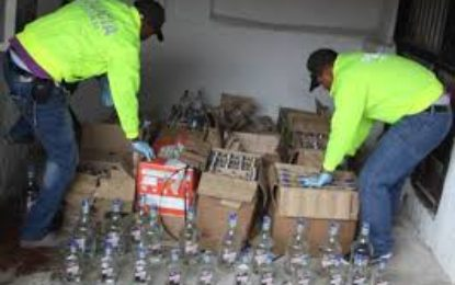 Incautan más de 1500 botellas de licor adulterado procedentes de Cali