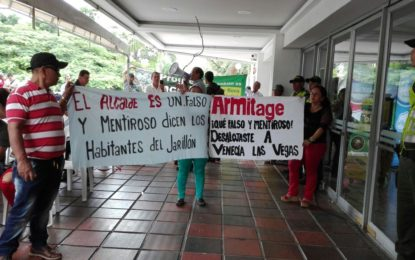 Habitantes del sur protestaron mientras alcalde realizaba rendición de cuentas