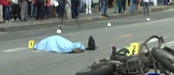 Adulto mayor pierde la vida en accidente de tránsito que involucra a un policía