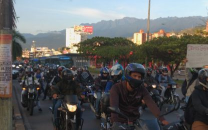Cerca de 600 motociclistas protestaron en las calles de Cali