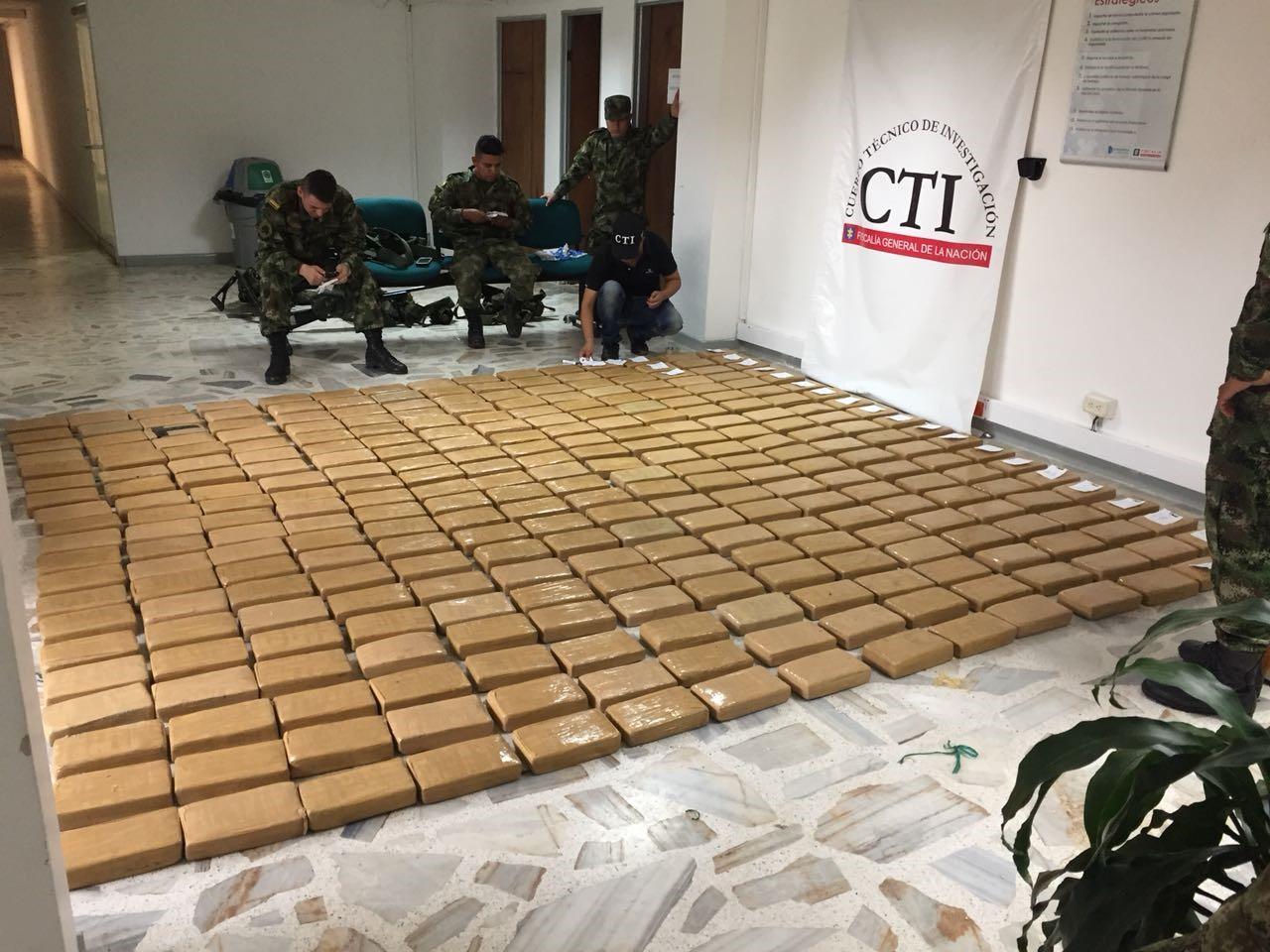 La Fiscalía incautó más de 300 kilos de cocaína dentro de una vivienda en Buenaventura