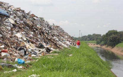 En dos meses sería removida la escombrera de la 50 al municipio de Candelaria