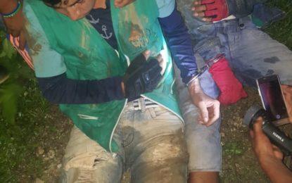 Encuentran a dos guardias indígenas torturados y colgados a un árbol en Buenaventura