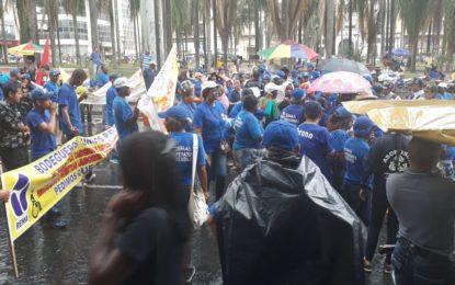 Recicladores protestan por la falta de cumplimiento de acuerdos con la Alcaldía de Cali