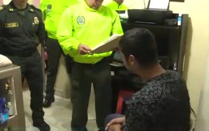 Cayó banda que utilizaba prendas de la Policía para hurtar residencias en Cali