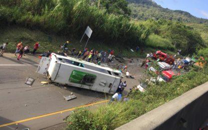 Tragedia en la vía Buga- Yotoco, accidente de bus cobró la vida de 9 personas