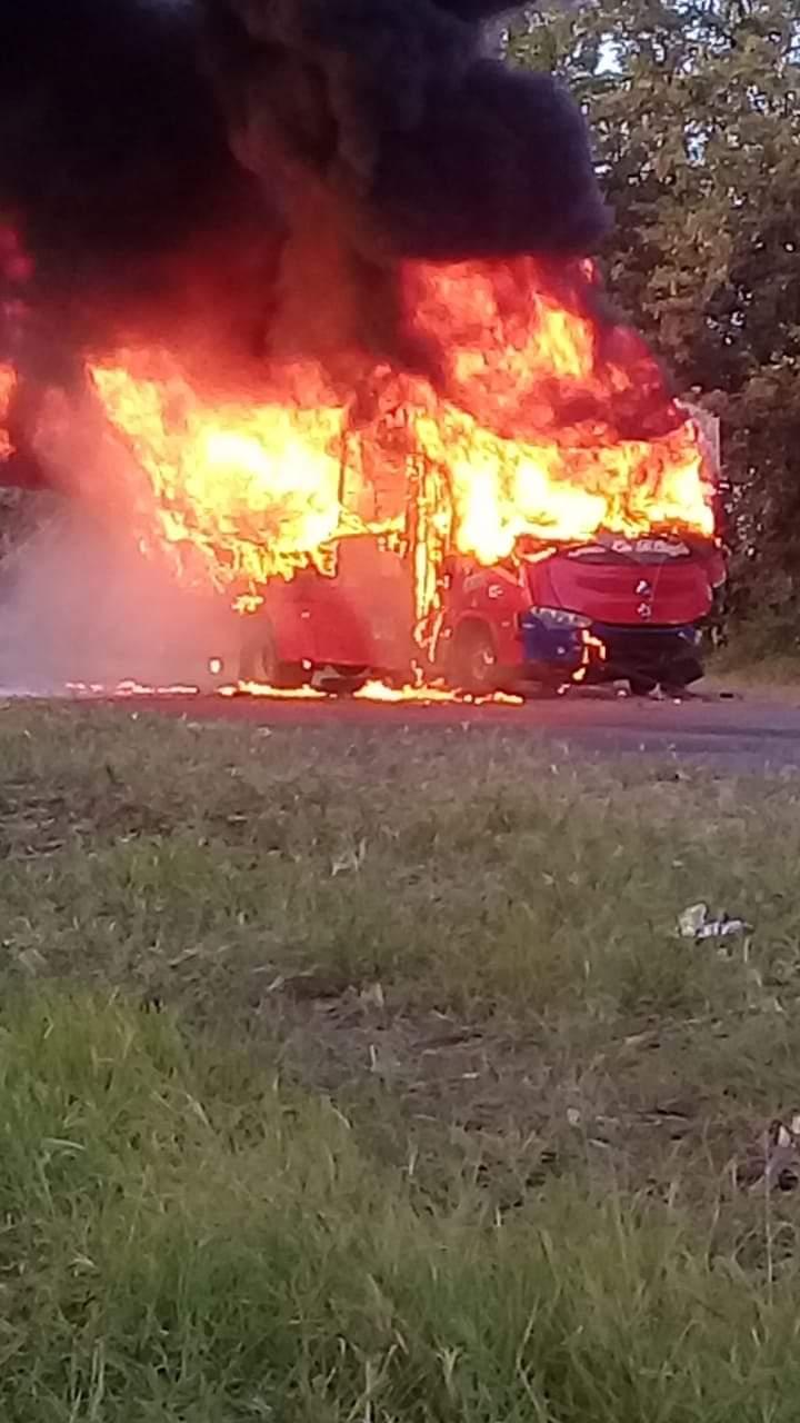 Fiscalía investiga accidente de tránsito que dejó 4 víctimas en la vía Candelaria – Florida