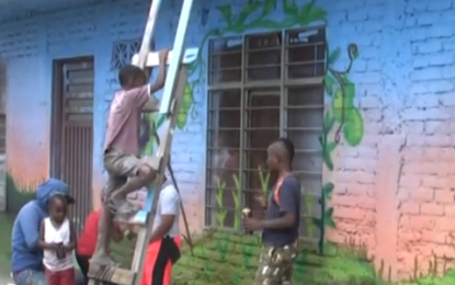La violencia de la calle «el hueco» en Petecuy fue reemplazada por color
